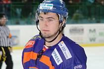 Ruský útočník Nikita Garanin pomáhá v letošní sezoně hokejistům druholigového Hodonína.