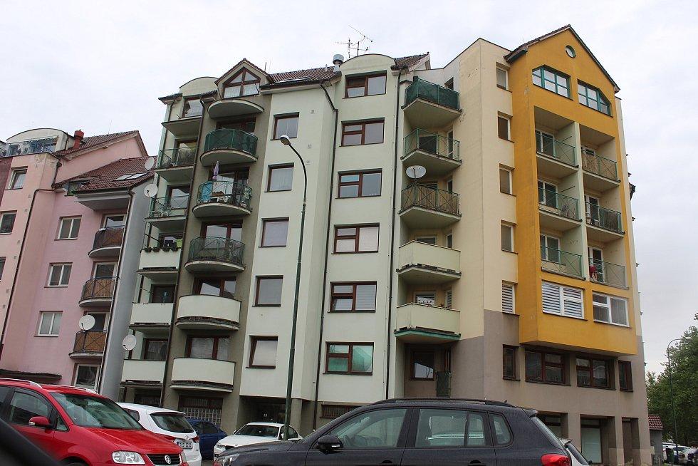 Hodonínský bytový komplex Pastelky I v půli května 2020.