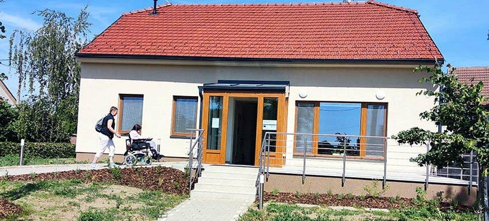 Nové centrum denních služeb v Mikulčicích po otevření.