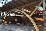 Hodonínská škola U Červených domků prošla obnovou, Novou učebnu mají žáci i venku.
