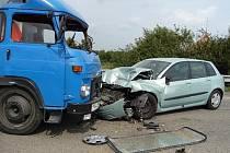 Nehoda avie a osobního auta u Podivína.