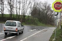 Místo pro budoucí křižovatku v Hovoranech.