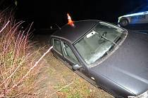 Řidič boural při jízdě mezi obcemi Louka a Blatnice pod Svatým Antonínkem.