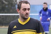 Záložník Marek Spazier táhne fotbalisty Velké nad Veličkou do první A třídy. V letošním ročníku nejnižší krajské soutěže nastřílel již dvět branek.