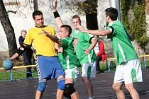 Národní házenkáři Veselí nad Moravou (v zelených dresech) prohráli na turnaji v Pustějově všechny duely a skončili čtvrtí.