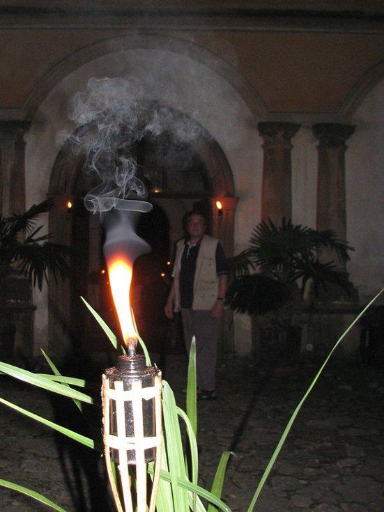 Milotický zámek se otevřel nočním návštěvníkům