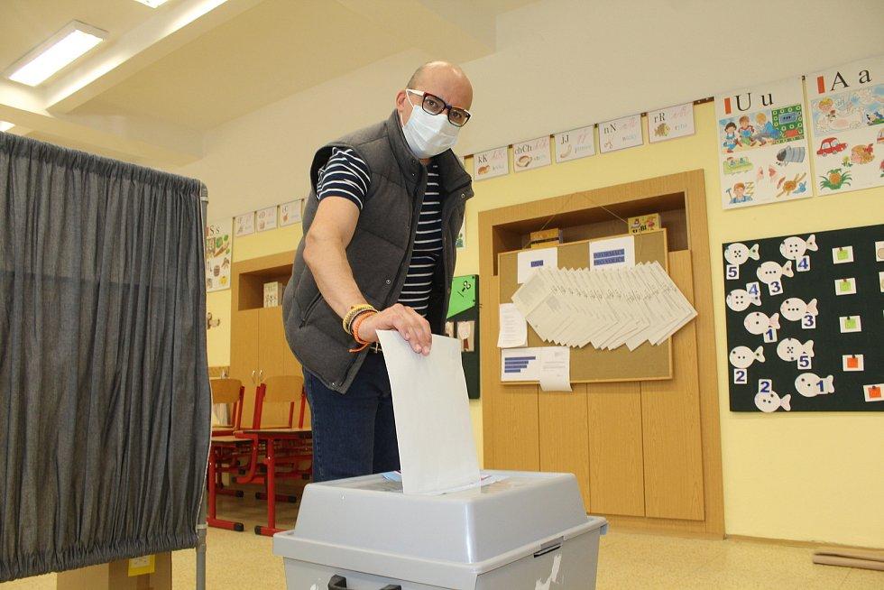 Starosta Kyjova a lídr Starostů pro jižní Moravu František Lukl v sobotu při krajských volbách.