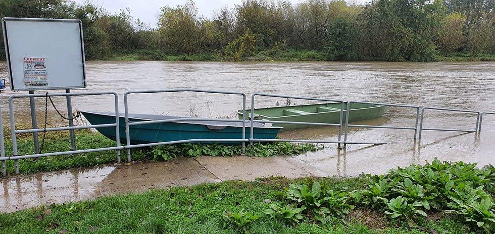 Povodňová kalamita v Rohatci.