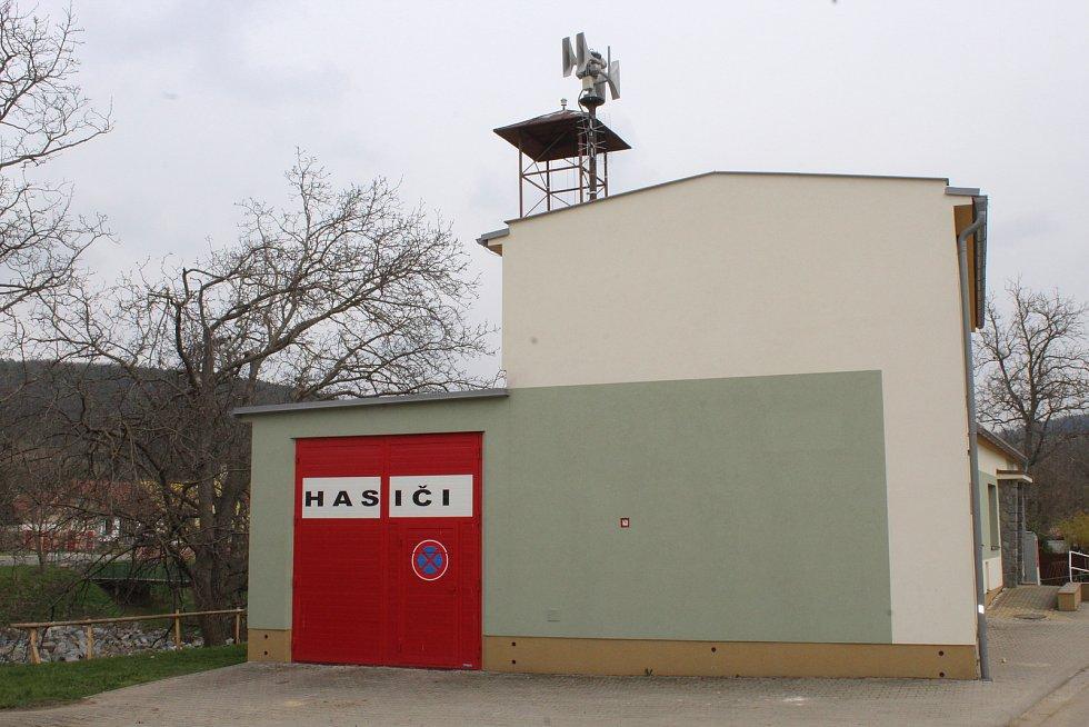 Hasičská zbrojnice v Radějově.