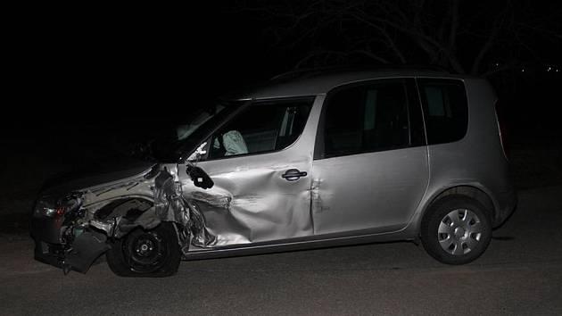 Opilý devatenáctiletý řidič způsobil nehodu.