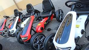 Nová šlapací autíčka posílila vozový park MP Hodonín
