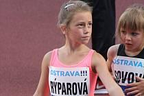 Na letošním ročníku Zlaté tretry v Ostravě se představilo hned několik atletů z Hodonína. Výborně si vedla hlavně sedmiletá Julie Rýparová, která se představila ve finále sprintu děvčat na sto metrů.