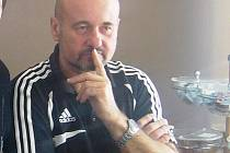 Předseda TJ Sokol Vlkoš Josef Novosad se několik let věnuje ženskému fotbalu.