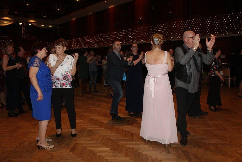 V Hodoníně se po dva večery konal ples muzikantů.