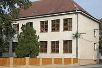 Radějovská škola se dočkala nových oken.