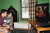 V kavárně Mlýn si nadšenci zahráli hru Tekken 6.