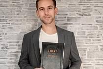 Bývalý fotbalista Slovácka Tomáš Ťok vydal fantasy knihu pro děti.