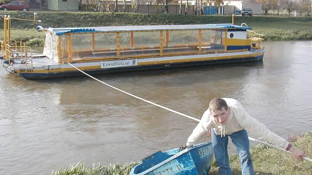 Loď Konstancie jde do vody