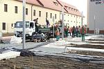 První etapa přestavby náměstí Míru ve Veselí nad Moravou.
