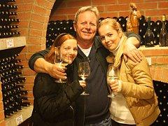 Nechorští vinaři otevřeli své sklepy u Prušánek už loni v listopadu. Košt pořádají i na jaře.