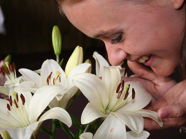 Horní Valy provoněly lilie