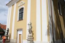 Kostel svatého Vavřince v Hodoníně po opravách.