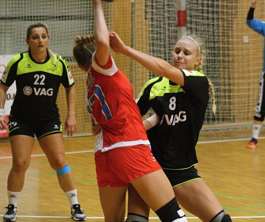 Hodonínské házenkářky prohrály ve 4. kole MOL ligy s pražskou Slavií 20:28 a po postupu do nejvyšší ženské soutěže dál čekají na první výhru.