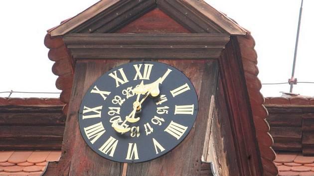 Zámecké hodiny znovu bijí. Po šedesáti letech