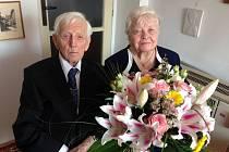 Korunovační nebo také nebeskou svatbu oslavili 18. dubna manželé Marie a Bernard Frantovi z Hodonína