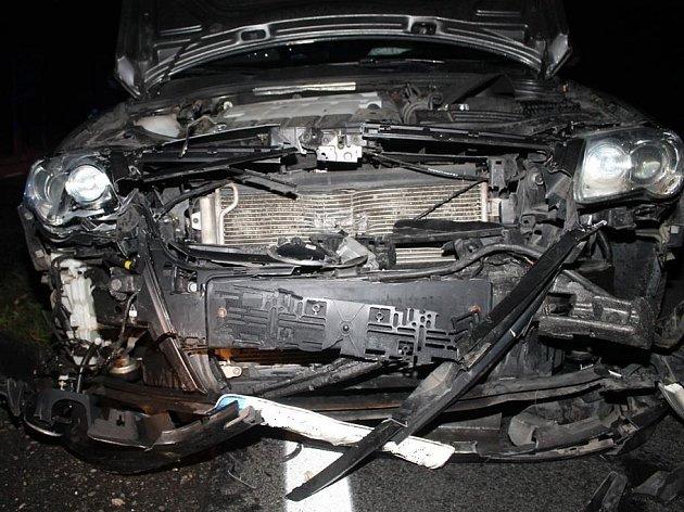 Hromadná nehoda se stala v sobotu na silnici mezi Hodonínem a Dubňany. Postupně kvůli divokému praseti bourala čtyři auta.