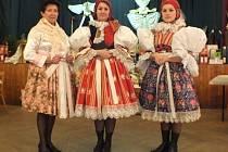 V muzeu v Blatnici pod Svatým Antonínkem objevili součásti kroje z devatenáctého století. Kroj doplnili a představili jej na posledním krojovém plese.