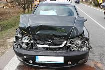 Opel po nehodě, která se stala u Vlkoše.