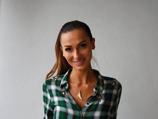 Modelka Eliška Bučková. Česká Miss 2008 pochází ze Strážnice na Hodonínsku.