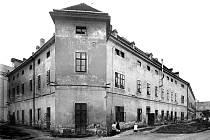 V bývalém hodonínském hradu vznikla tabáková továrna.