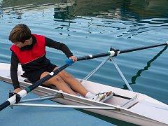 Hodonínský veslařský klub nedávno přišel s novou aktivitou. Členové slováckého klubu od začátku května do konce června pořádali první část všestranné sportovní přípravky.