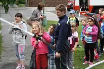 Den otevřených dveří pro děti u hodonínských profesionálních hasičů.