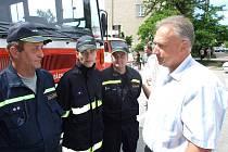 Hodonínští dobrovolní hasiči při Dnu dětí.