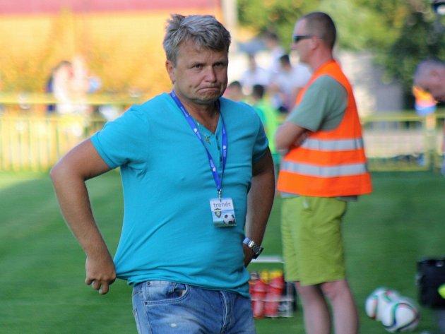 Dubňanský trenér Milan Bidmon nebyl po pohárovém zápase s Rousínovem v žádném případě spokojený.