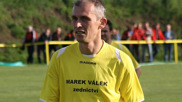 Na obratu Kozojídek v domácím zápase s Nikolčicemi se proměněnou  penaltou podílel také zkušený záložník Robert Nekarda.