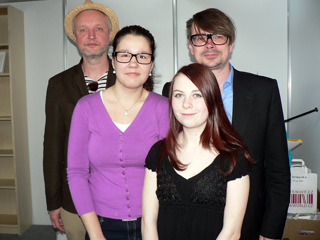Zleva: Jaromír 99, Marcela Kolísková, Tereza Hřibová a Jaroslav Rudiš.