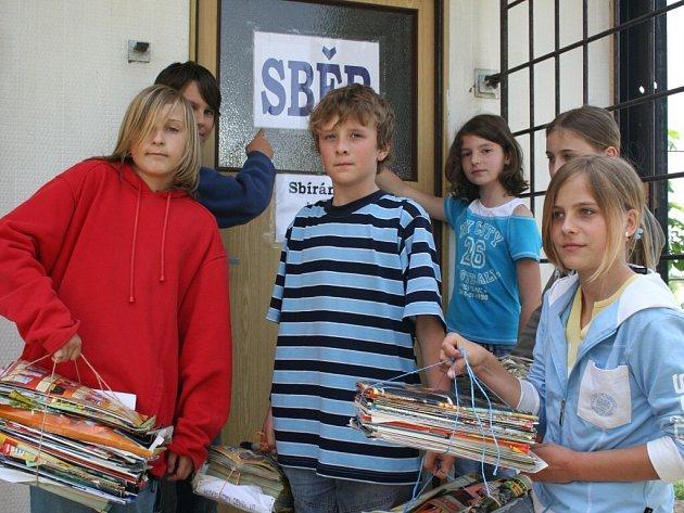 Vracovské děti sbírají papír