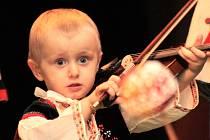 Kulturní dům ve Velké nad Veličkou patřil v sobotu tradičnímu pořadu muzik, sólistů a sborů. Zazněly písně z různých částí Slovácka.