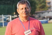 Známý trenér Jaroslav Bíla, který v současnosti vede v první A třídě fotbalisty Blatnice, se stal držitelem prestižní ceny dr. Václava Jíry.