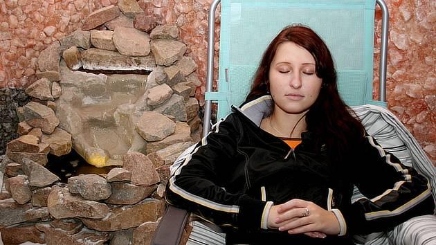 Odpočinek v solné jeskyni