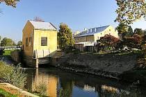 Vodní elektrárna ve Veselí nad Moravou.