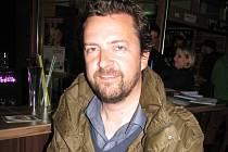 První ročník filmové přehlídky CineBenelux, který se konal ve Veselí nad Moravou, divákům nabídl na dvaadvacet snímků z produkce zemí Beneluxu. Na snímku je režisér pěti snímků Belgičan Geoffrey Enthoven.