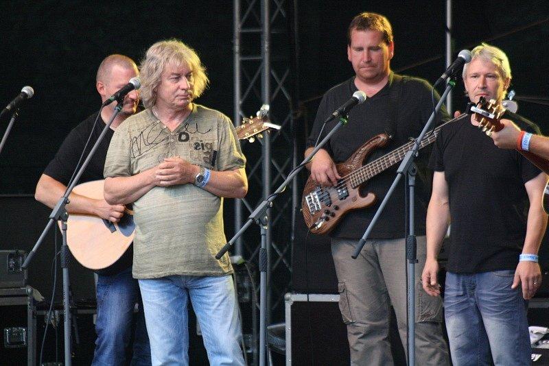 Žalman s Přístavem na Festivalu Slunce ve Strážnici.