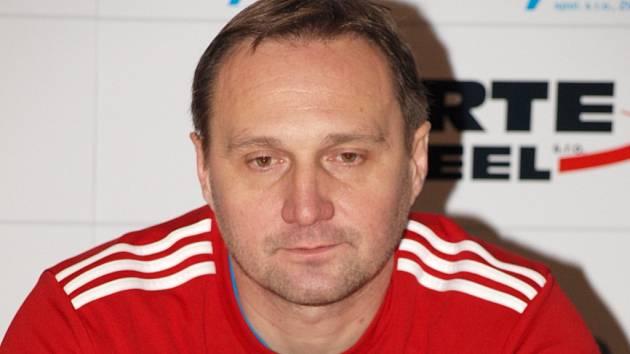 Slovenský trenér Ľuboš Hudák ve Veselí nad Moravou po půl roce nečekaně skončil. Ve druhé polovině interligové sezony povede Most.