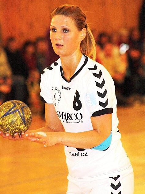 Zlínská spojka Pavla Poznarová potvrdila roli kanonýrky i na Slovácku. Česká reprezentantka se proti Veselí trefila čtyřikrát. Dva góly dala vytáhlá házenkářka ze sedmimetrového hodu.