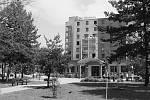 S rekonstrukcí budov byl upraven i lázeňský park.